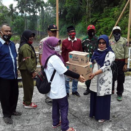 Album : Penerimaan Bantuan Makanan untuk Balita/Ibu Hamil
