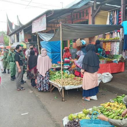 Album : Penerapan Wajib Pakai Masker bagi Pedagang Pasar