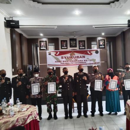 Album : Penyerahan Piagam dari Kapolres 50 Kota